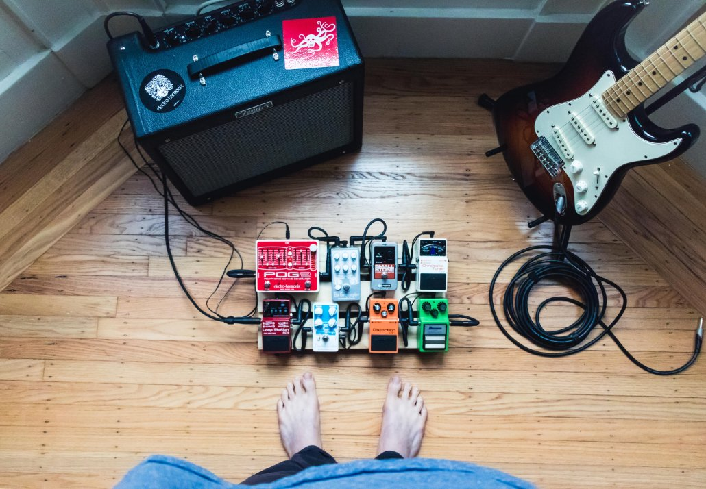 4 Essential Acoustic Guitar Effects for every Solo Musician